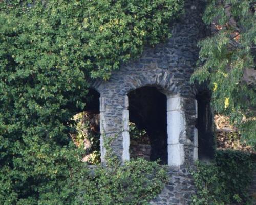 Ile Barbe monument