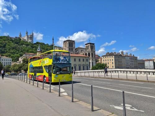 bus-touristique-pont-ligne-verte-city-lyon-